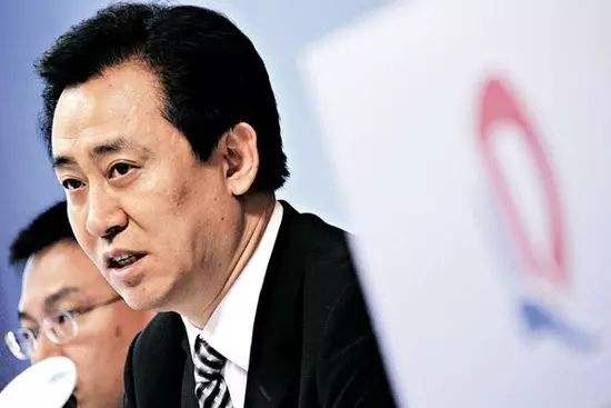 中国首富再易位 许家印登顶