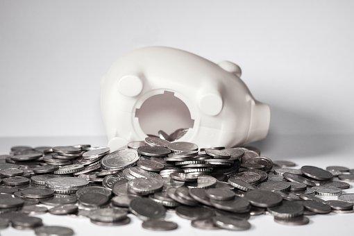 半年赚了886亿 如今却开启万人大裁员 这家银行怎么了?
